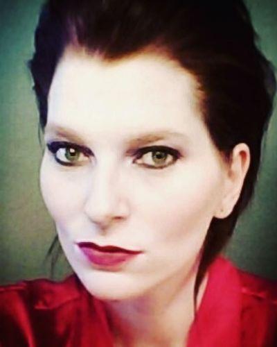 Lady in red... Hellogreeneyes Meltcosmetics Meltdarkroom Mattelipstick