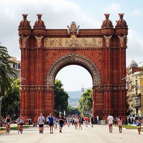 Arc Arcdetriomf Triumph Triomf Barça Barcelona Toronto needs one of these too. Eurotrip