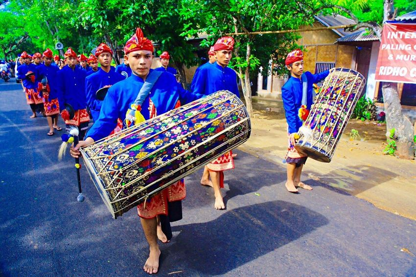Lombok traditional instrument INDONESIA Wonderful Indonesia Pesonaindonesia Nusantara Culture Lombok Island Music People Check This Out Photojournalist EyeEm Masterclass Cultures Hanging Out Relaxing