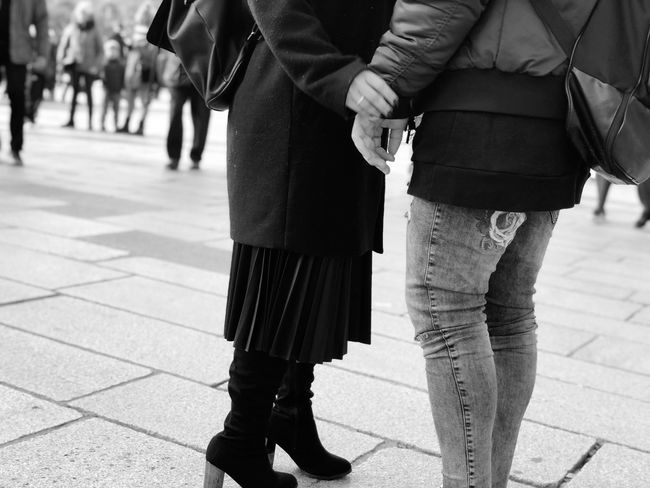 Traveling Style Relationship Couple Love Connection Human Man Woman EyeEm Selects Two People Women Real People Holding Hands Day City Togetherness Footpath Incidental People Adult Focus On Foreground Love Walking Casual Clothing Street Men Sidewalk Sunlight Positive Emotion People A New Perspective On Life Human Connection Moments Of Happiness
