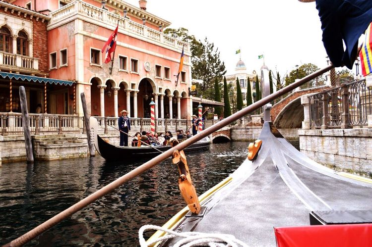 Gondola - Traditional Boat Cultures Canal Travel Destinations Gondolier Transportation Travel Tourism People Building Exterior Outdoors Adults Only Adult Vacations Nautical Vessel Water Day Architecture One Person Rowing ディズニー Disney 東京ディズニーシー