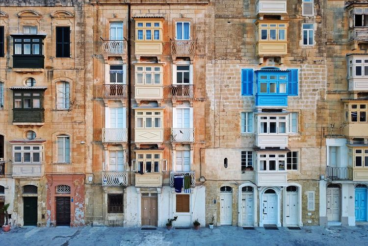 Malta's urban geometry. valletta city architecture.