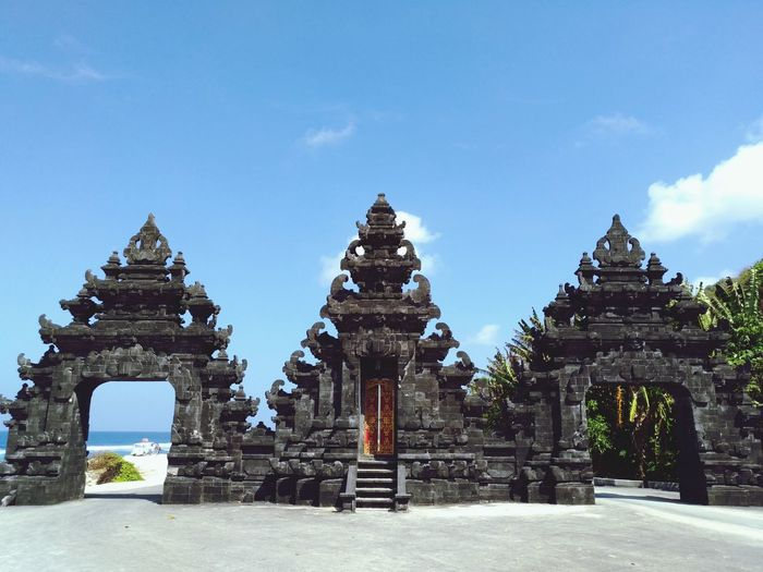 The gate to paradise Beach Cultures Bali INDONESIA Architecture Sky Built Structure Gate Entrance The Architect - 2018 EyeEm Awards Summer Road Tripping