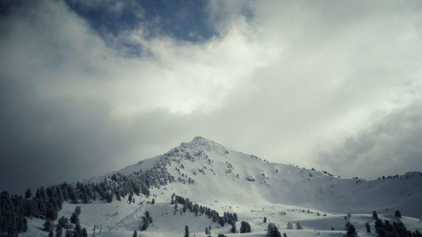 Epic Alps Snow Mountain Winter Cold Temperature Cloud - Sky No People Outdoors Day Nature Beauty In Nature Sky Landscape