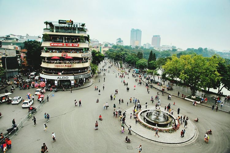 Ha Noi 20mm Travel Travel Destinations Urban Skyline Tourism Outdoors Building Exterior Large Group Of People City Chinese New Year Crowd Growth Cityscape Business Finance And Industry Cultures Downtown District Bridge - Man Made Structure Skyscraper People Day Vietnam Hanoi Hanoi Vietnam  20mm 20-35mm Canon