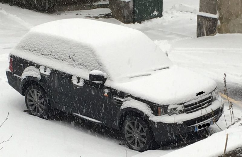 My car when I woke up this morning 😀❄️❄️❄️ France Rangeroversport Rangerover Snow Winter Cold Temperature Car Transportation Snowing Land Vehicle