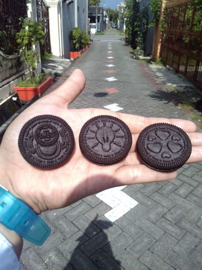Oreo Addict! New Print creativity in oreo. Walk This Way Relaxing in people environtment
