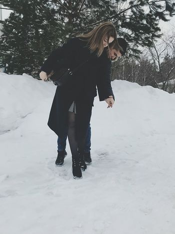любовь Winter Snow Cold Temperature Adult One Woman Only One Person Adults Only First Eyeem Photo