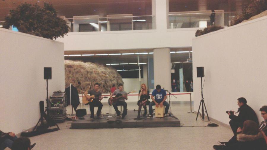 The Cinnamon Rolls Burgos Acoustic Music Show