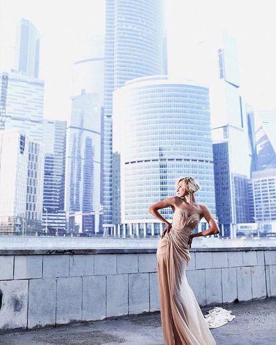 "Съемка у ""москва сити"" City Women Architecture Only Women Girl Fashion Dress Beauty здания набережная"