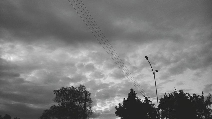 Day 2: Thursday 14th/ Zeus is trying to cry, he feels sad and confused. I feel strange too, and everything seems to be changing so fast. Clouds & Sky Rain Clouds Black And White Sky Project_emotion Emotions In A Picture Ñuñoa Chileanphoto Southamerican Chilepaisajes Chile