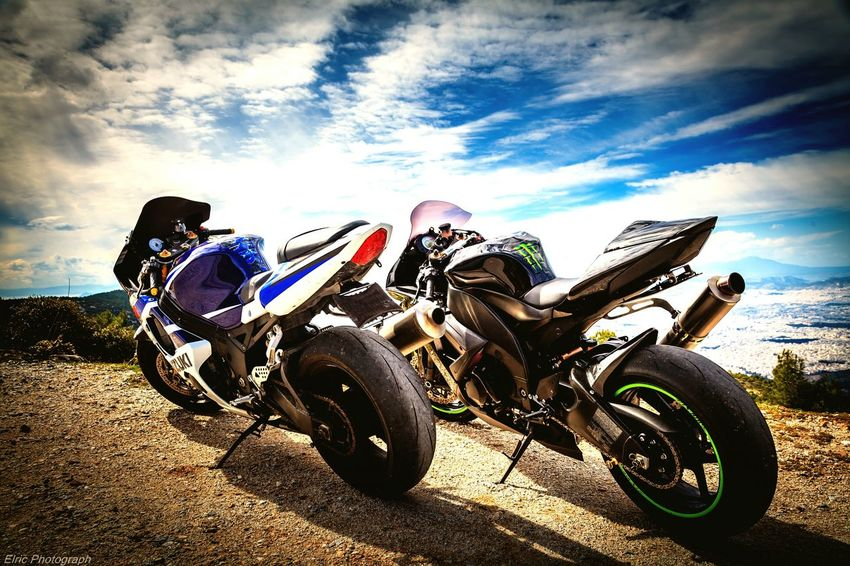 Rest of the warriors. Taking Photos Hello World Hapiness Enjoying Life Outside Photography Athens Motorcycles SuperSport GSXR1000 Zx1000 Suzuki Kawasaki View Mountain Street Colorful Canon Canon 5D Mark II