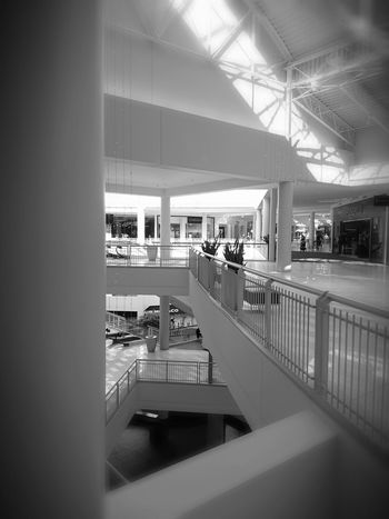 Relaxing Taking Photos Mall Life Shopping ♡ Enjoying Life Eye4photography  Hanging Out Black And White Collection  Blackandwhite Photography