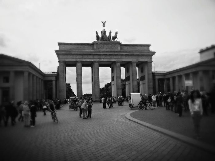 Battle Of The Cities Berlin Brandenburger Tor Blackandwhite Black & White City City Life EyeEm Best Shots Best Eyeem Photo Smartphonephotography GERMANY🇩🇪DEUTSCHERLAND@ Place To Be  Places To Visit Places I've Been Tourist Smartphone Photography Tourism Built Structure Black And White Myberlinweek Eyem Best Shots Embrace Urban Life Germany Capture Berlin Blackandwhite Photography