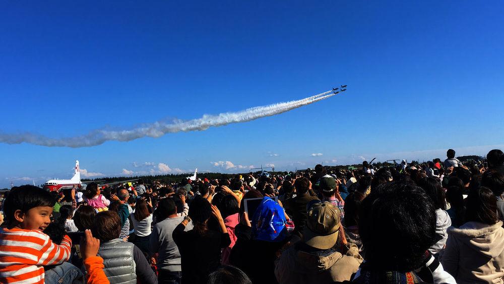 Iruma Air Base Airshow 入間基地航空祭。日本で1番晴れの日の確率が高いのは、11/3だそうですよ。 Skyporn Fall Colors Autumn Colors Airplane EyeEm Best Shots Blue Blue Sky