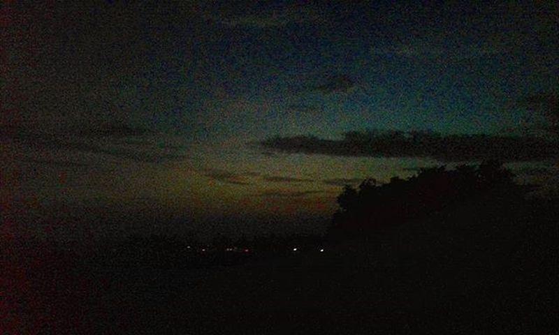 Senja 🌒Sky Wonderfulindonesia Anakikutikutan Fotograferjomblo Anaksoksibuk Senja