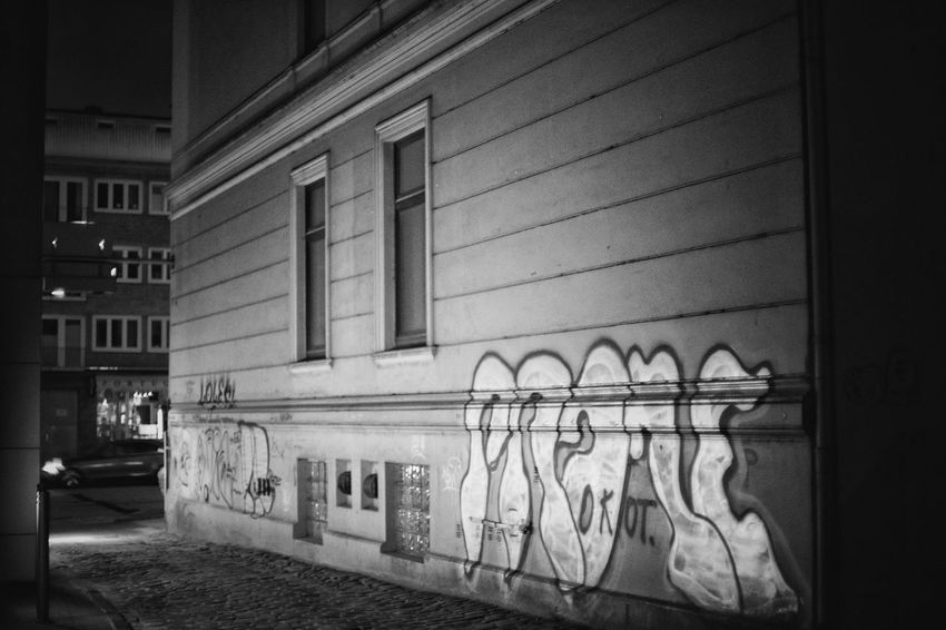 Graffiti EyeEm Selects Architecture Built Structure Building Exterior No People Building Window Wall - Building Feature Outdoors In A Row House Nature City Side By Side Wall Transportation Old Mode Of Transportation Railing Day The Street Photographer - 2018 EyeEm Awards