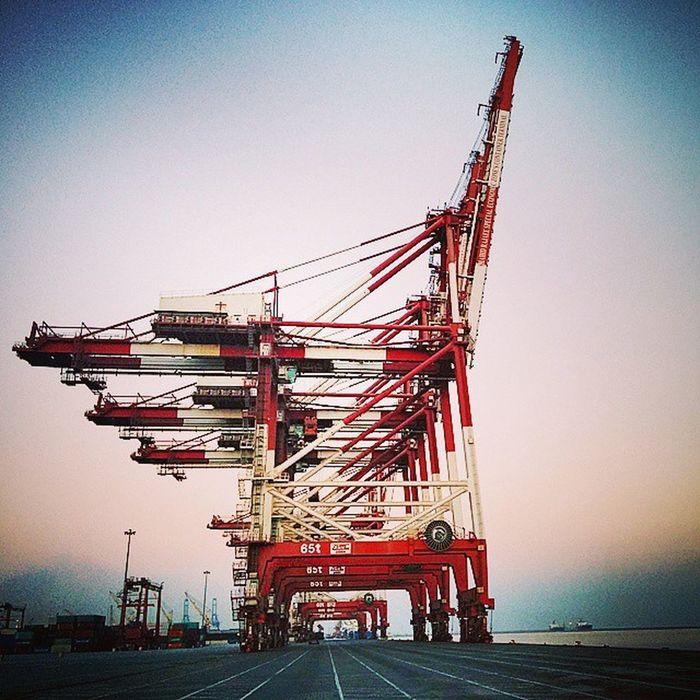 Irantravel Iran Mustseeiran Rajaee Port BandarAbbas Hormozgan Terminal2 Container Sina Gantry Crean My Work place.. @sadeghrna 1393/08/27 18 November 2014
