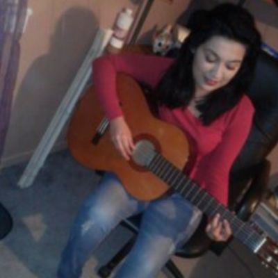 learning how to play the guitar.. I Love this instrument Guitar Payingtheguitar