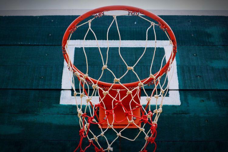 Basketball Hoop Basketball - Sport Sport Circle Basketball Net - Sports Equipment Making A Basket Sports Equipment Leisure Games Court Day Taking A Shot - Sport Scoring Outdoors No People Close-up