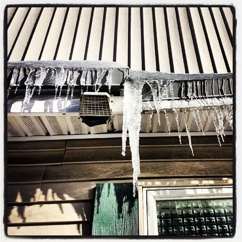 Early lunch at The Grill. Don't walk under the stalactites! Vtice2013 Vt Vtphoto Vermont vticestorm aftermath