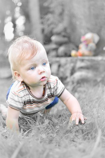 People And Places Kid Blue BlueEyes Childhood Children Cute Person Lifestyles Playing Fun Summertime Still Life Freshness Modern Model EyeEm Best Shots ArtWork Photography Fotografia Outdoors Taking Photos Art Streetphotography New