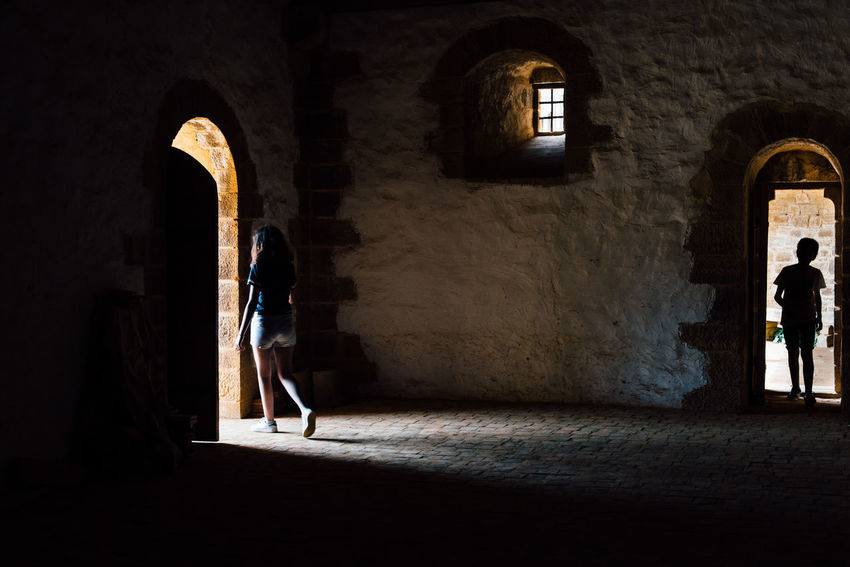 Open Door Door Medieval Silhouette Children Visiting Tourist Architecture Medieval Medieval Architecture Full Length Arch Architecture Castle Historic Fortress History The Past Historic Building Fort Fortified Wall Civilization