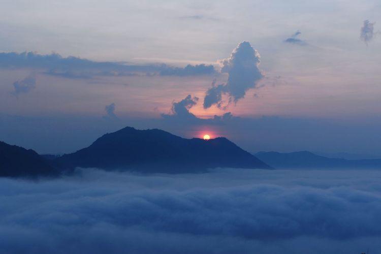 Sun Mountain Volcano Sky Landscape Cloud - Sky Active Volcano Bromo-tengger-semeru National Park Volcanic Rock Geyser Big Island - Hawaii Islands Shining Volcanic Crater Capture Tomorrow Stay Out