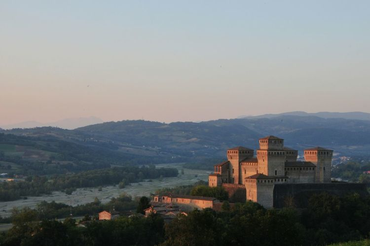 Alba Sunrise Nofilter Sunrise_sunsets_aroundworld Addicted Italy Castle