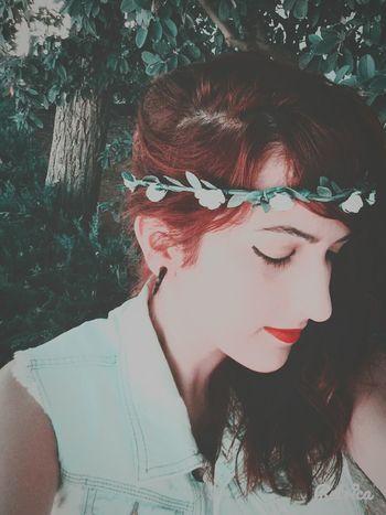 Redlips Redhair Flowercrown  Lovely Girls Beautiful Beauty Life Enjoying Life Beautiful Girl Princess Sweat First Eyeem Photo Cute♡ Pretty♡ Beautiful ♥ Cutegirl Sweet♡ Supergirl Sensual_woman Pretty Girl Spanish Style Sensual 💕 BeautyEyes SexyGirl.♥