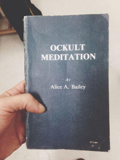 Book Ocultism Meditation
