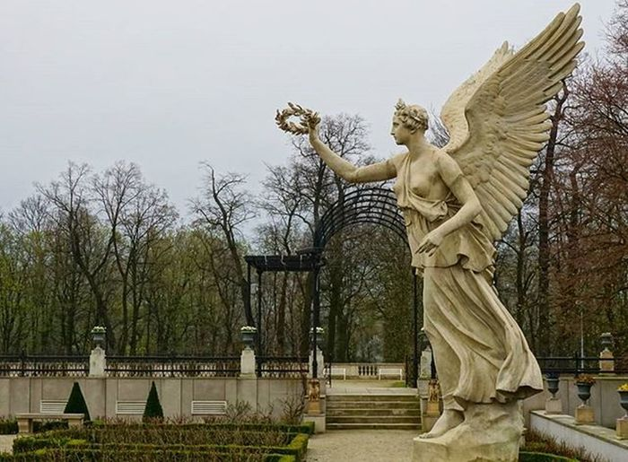 Wilanów Warsaw Warszawa  Statue Angel Wings Woman Palace варшава статуя ангел Янгол крила жінка женщина палац дворец крылья A6000 Sony Sonya6000
