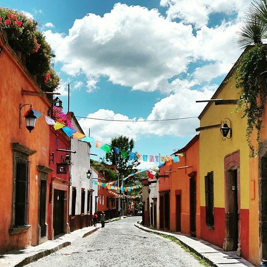 Turisteando Viva Mexico Magicplace Color Perspective San Miguel De Allende Mexico Mexican Culture EyeEm Streetphotography