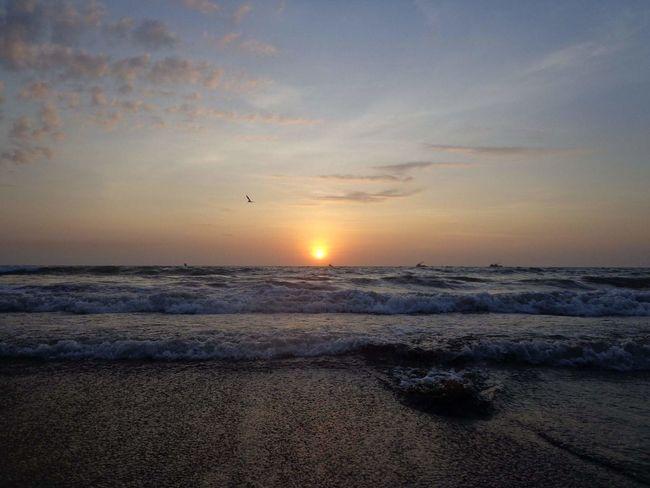 Ocaso en Crucita Manabí Ecuador Nature Photography First Eyeem Photo Nature Life Sea And Sky Sun Beach