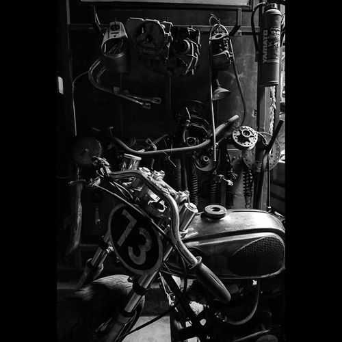 Taken woth Canon 6D Lseries Art Artoftheday Motorcycle Old Oldstuff Oldmotorcycle Racing 73 Explore ExploreEverything Likeforlike Followforfollow Black White Blackandwhite Photooftheday Deep Emotions Feelings Danielooct