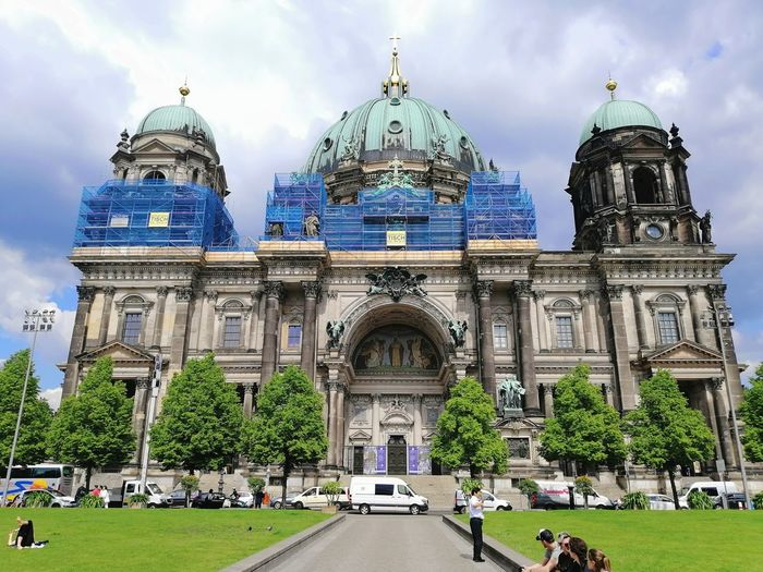 Politics And Government City Dome Government History Sky Architecture Building Exterior Built Structure Cloud - Sky Place Of Worship Religion Catholicism Christianity Mosque Façade Grassland Rose Window Cathedral Spirituality Buddhist Temple Bell Tower Cross Steeple Pew Arch Church Temple - Building Islam Crucifix