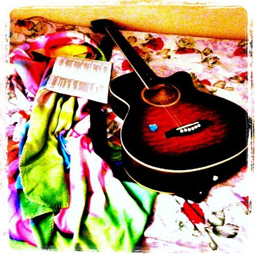 Messy!!! Effects if boredom stikes.. grrrR.. MomentsWithyou IRememberYouWithAGuitar