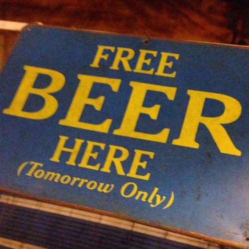 Huế Vietnam Beer Drinking