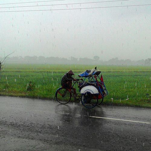 Becak Raining Days Streetphotography INDONESIA