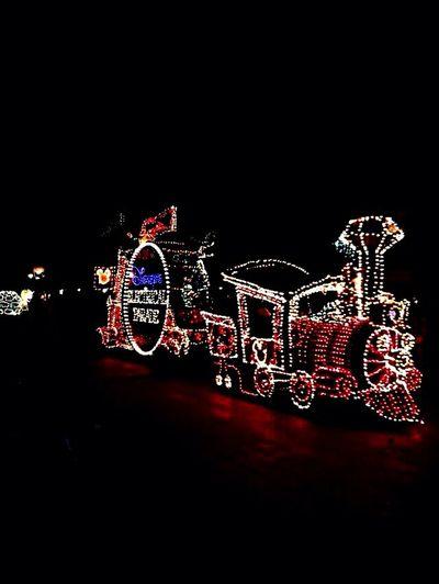 Learn & Shoot: Single Light Source Disneyland Parade LightTheDark Light train