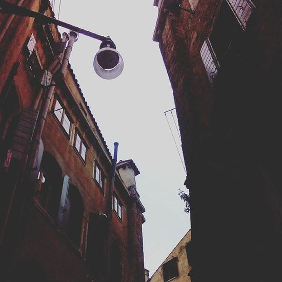 Venezia Venice Upview Walkingaroundthecity Walkingaroundthestreet Urban Cityscape Discoveringmycity Architecture Picoftheday Shotoftheday Instamood Instacity