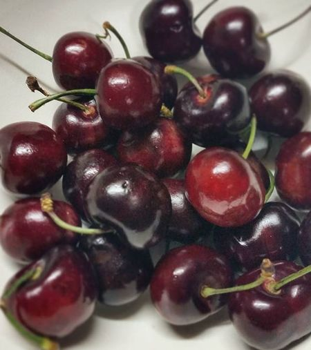 Someone sweet gave me this sweet cherries! Thank you @gelotissimo labshooo😄😂😙❤ Cherries🍒 Fruits Sweetfriend Sweet Myadoptedchild