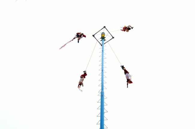 Teamwork Danger Airshow Sky Low Angle View Togetherness Flying Volador Voladores De Papantla Voladores  Volador De Papantla Culture Cultures Prehispanic EyeEm Selects