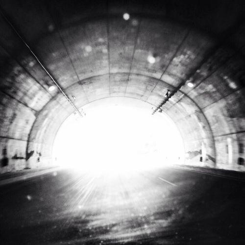 Blackandwhite Es El Fin Del Mundo Y No Importa KCe ...we're On The Road To Nowhere...