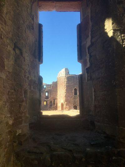 Raglan Castle Window View Castle Ruins Architecture Blue Sky