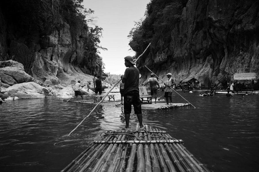 Minalungaonationalpark Minalungao Nueva Ecija Bamboo Rafting Bamboo Raft Black And White Bamboo Rafting
