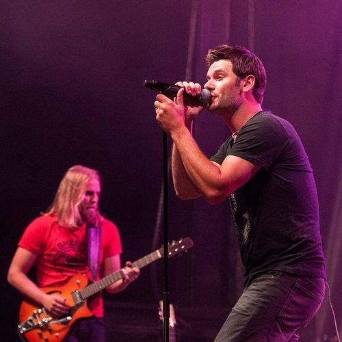 Emerson Drive in concert in Bellevue, AB. Emersondrive Music Crowsnestpass Concert countrymusic