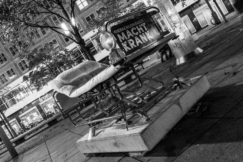 Berlin Blackandwhite Capture The Moment Close Up Krankenbett Metal