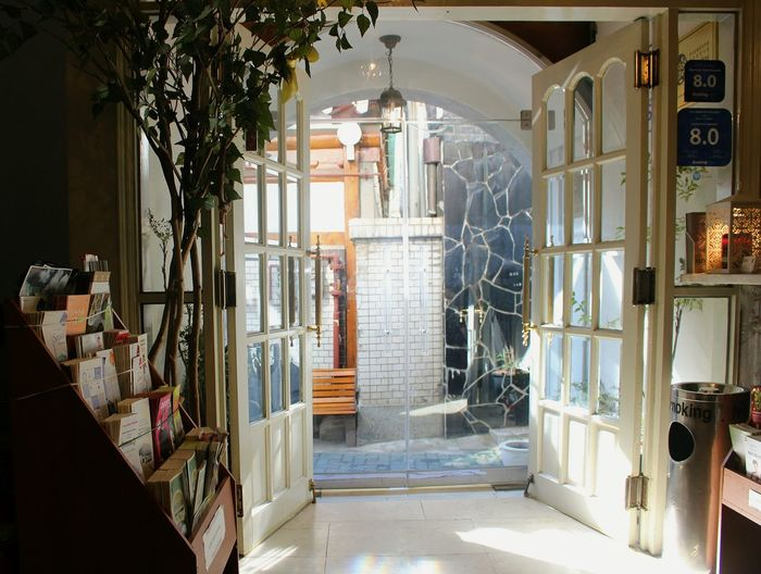Entrance Guesthouse Indoors  Light Sunlight And Shadow Travel White Yankee Candle