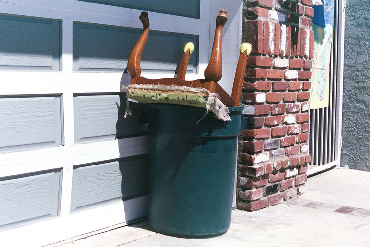 Discarded fancy chair missing a couple shoes and found itself in the trash. Photos taken with Canon AE-1 Program analog camera and Fujifilm 400 NPH 35mm Film. See more: Instagram.com/lostboymemoirs www.Lostboymemoirs.com 35mm Film 35mm Film Photography Abandoned Abstract Analog Analog Camera Analogue Photography Art California California Love Canon Canon AE-1 Canon AE-1 Program  City Street Discarded Film Film Photography Filmisnotdead Fujifilm La Los Ángeles Losangeles Lost And Found Neglected Vintage